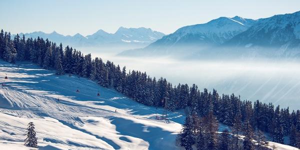 Aussicht auf der Winterwanderung Cry d'Er - Crans-Montana