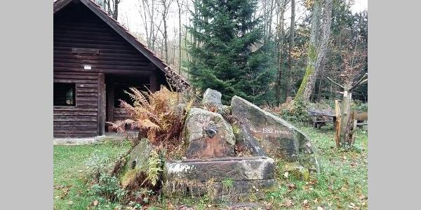 Hütte Hohler Kästenbaum