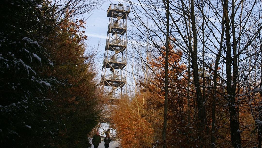 Aussichtsturm auf dem Eschenberg.