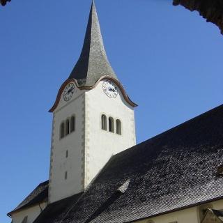 Stadtpfarrkirche durch das Hintereggerteor