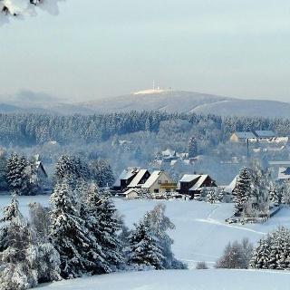 Panoramablick über Benneckenstein zum Brocken