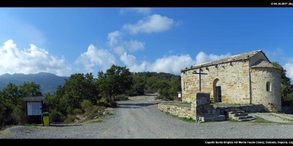 Capella Santa Brigida mit Monte Faudo (links)