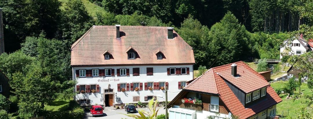 Blick zum Gasthaus Bad