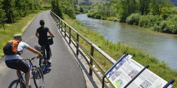 The cycle path along river Sarca