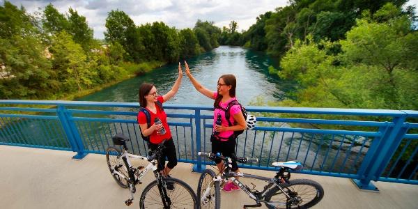 Radler an der Donau