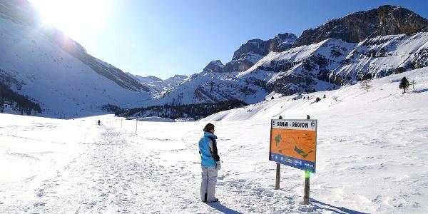 Präparierter Winterwanderweg über die Gemmi.
