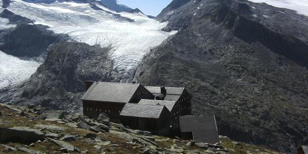 Kürsingerhütte mit Blick zum Krimmler Törl
