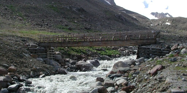 Brücke über den Vernagtbach unterhaln der Vernagthütte