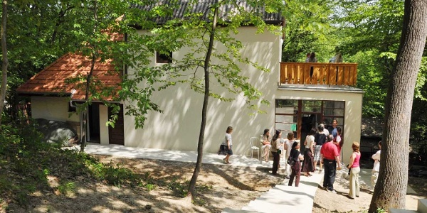 Közösségi épület (Kismagos Környezeti Nevelési és Ökoturisztikai Központ)