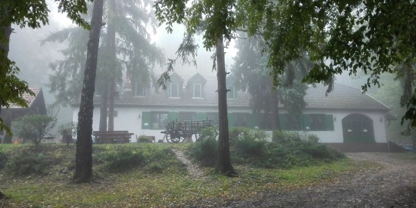 A Fehérkőlápa Turistaház
