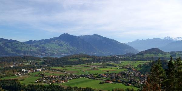 Ausblick über Wimmis Richtung Thunersee.