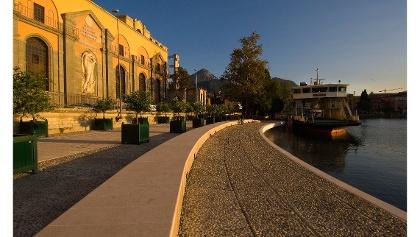 Die Seepromenade in Riva, vor dem Wasserkraftwerk