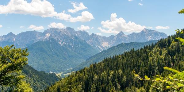 Die Julischen Alpen ueber dem Wurzenpass