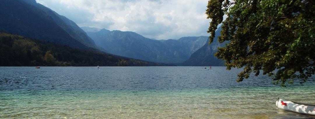 Ostufer des Bohinj Sees mitten im Triglav Nationalpark
