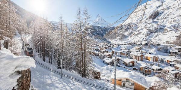 "Winter wonder land along the ""unterer Höhenweg"" (AHV-Weg)"