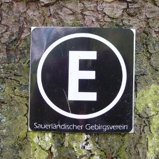 Wanderzeichen des Esloher Grenzgängers