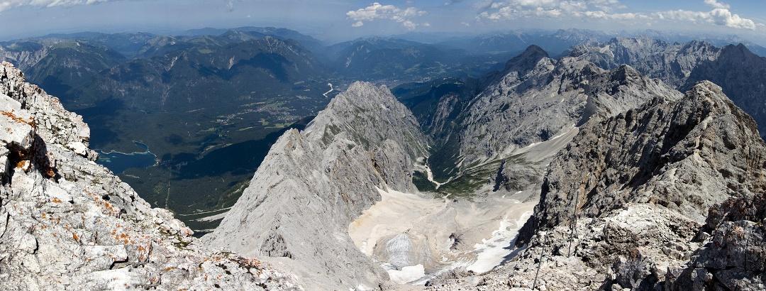 Gipfelpanorama nach Norden auf den Höllentalferner