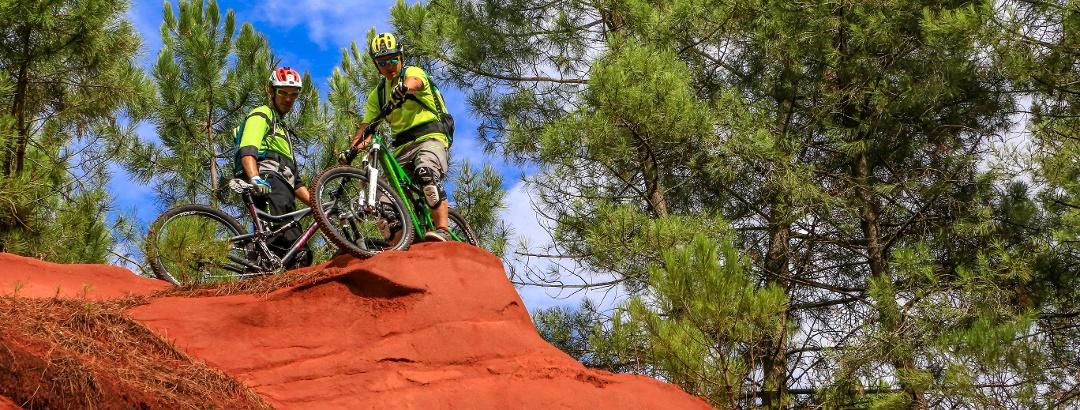 Mit dem Mountainbike durch die Ockerfelsen