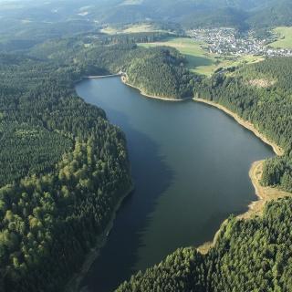 Luftbild der Talsperre Sosa