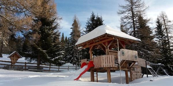 Start am Spielplatz der Neue Bonner Hütte bei bestem Wetter.
