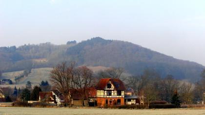 erhaltenes Bahnhofsgebäude der ehemaligen Strecke Jena-Eisenberg