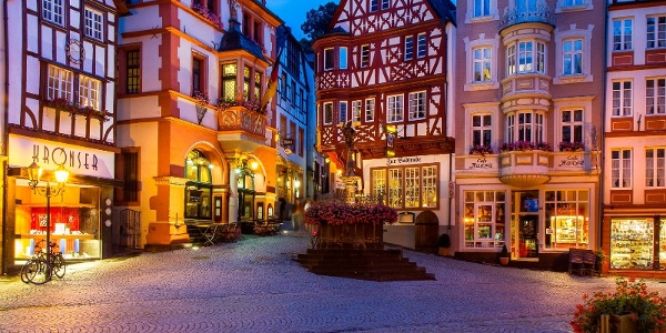 Market square in Bernkastel-Kues with nice half-timbered houses