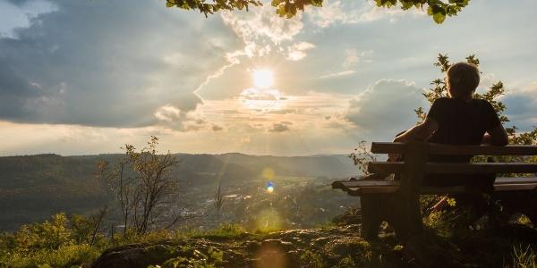Fantastische Ausblicke auf dem Traufgang Schlossfelsenpfad