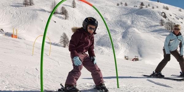 Bien viser, glisser et être fier – skier est un jeu d'enfant.