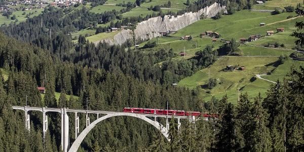 Langwieser Viadukt mit Arosabahn