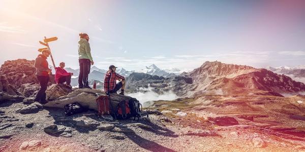 Wanderer auf der Tour du Val d'Hérens