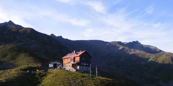 die Kaltenberghütte auf 2089m über dem Klostertal