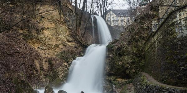 A Szinva vízesése hóolvadás után nyújt lehengerlő látványt