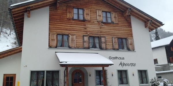 Gasthaus Alpenrose im Winter