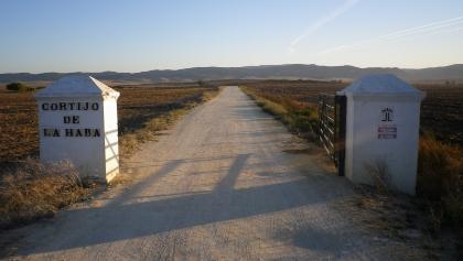 Tor am Feldweg