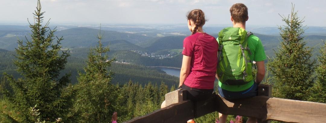 Blick vom Auersberg auf das Köhlerdorf Sosa
