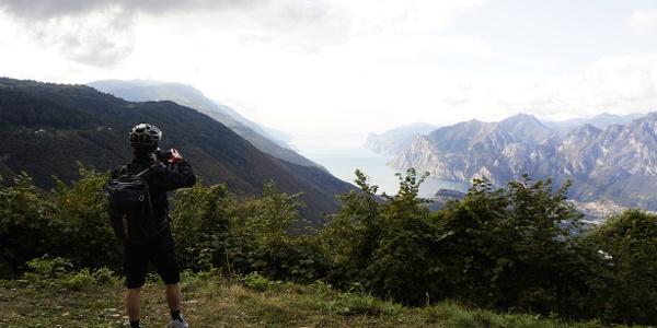 Das Panorama über den Passo Due Sassi