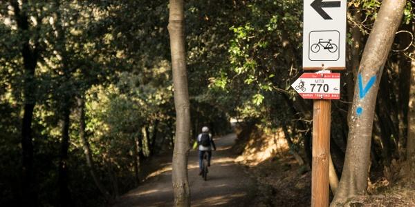 Verso l'imbocco del sentiero sul Monte Brione