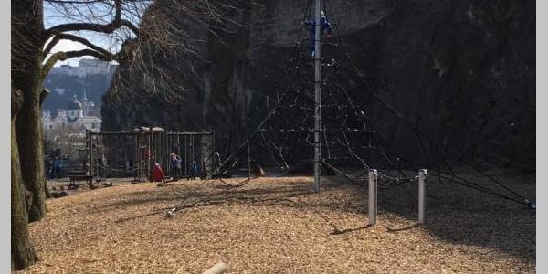 Spielplatz und Kletterberg Mülln