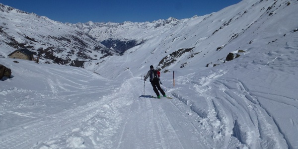 Abfahrt hinunter zur Schönwieshütte 2266m.