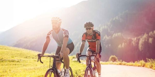 Tour vélo au Col du Nufenen.