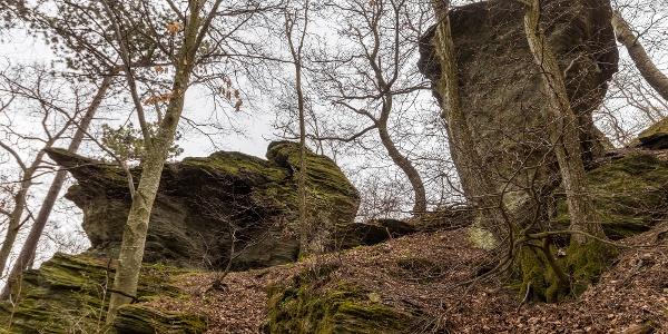 A Kalapos-kövek