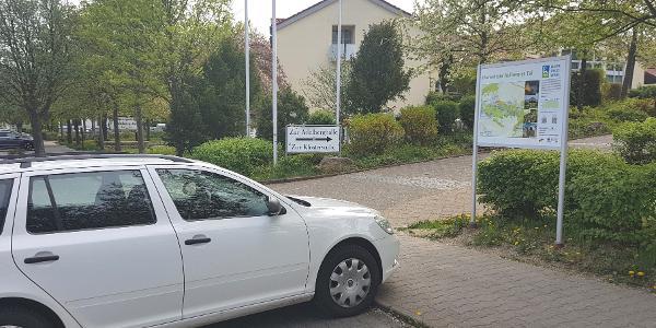 Wanderparkplatz an der Adelberghalle in Flonheim