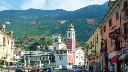 Les couleurs du centre-ville de Susa en Italie
