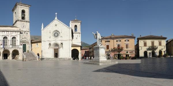 Piazza San Benedetto (Platz des Hl. Benedikt)