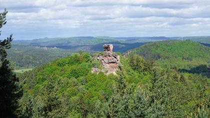 Blick auf die Burg Drachenfels