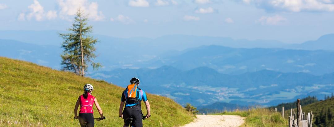 Mountainbiker unter Wolfsbergerhütte