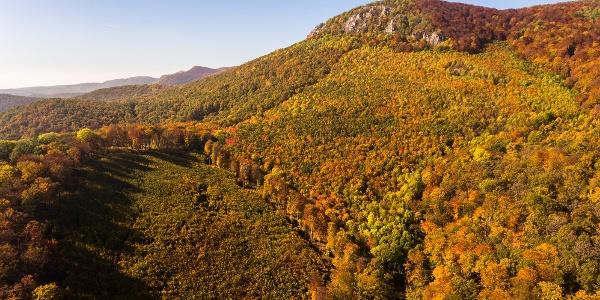 A Tar-kő egy őszi drónfelvételen