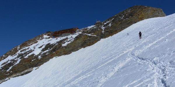 der steile Seitenast des Östl. Lisgletschers führt zur Gnifettihütte
