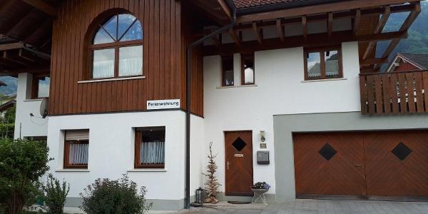 Parkplatz direkt vor der Eingangstüre