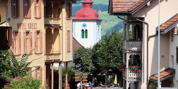 Dorf Romoos